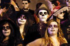 Веселые застольные и подвижные игры и конкурсы для взрослых на день рождения, Хэллоуин и другие праздники