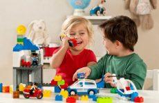 Рейтинг лучших игрушек для детей 5 лет на любой вкус: развивающие, интерактивные, интересные
