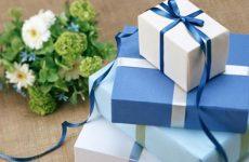 Что дарить на бумажную свадьбу: традиции и приметы, прикольные поздравления