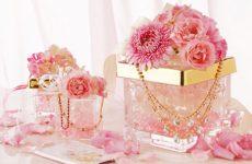 Как поздравить молодоженов с первой годовщиной свадьбы, что подарить и как отметить?