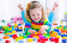 Развивающие и интересные игрушки для детей 3 лет