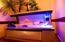 Как правильно загорать в солярии в первый раз женщине и мужчине: инструкция