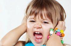 Почему у ребенка возникает кризис 3 лет, каковы его признаки и как с ним бороться