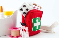 Что положить и как правильно составить список необходимого в аптечку для новорождённого?