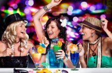 Веселые сценки, конкурсы, игры и развлечения за столом на день рождения, свадьбу, детский праздник