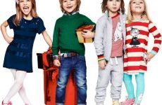 Как выбрать подходящий размер детской одежды: таблицы соответствия