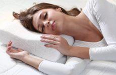 Как правильно спать на ортопедической подушке и обычной
