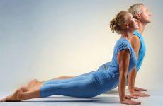 Чистка кишечника с помощью упражнений из йоги Шанк Пракшалана